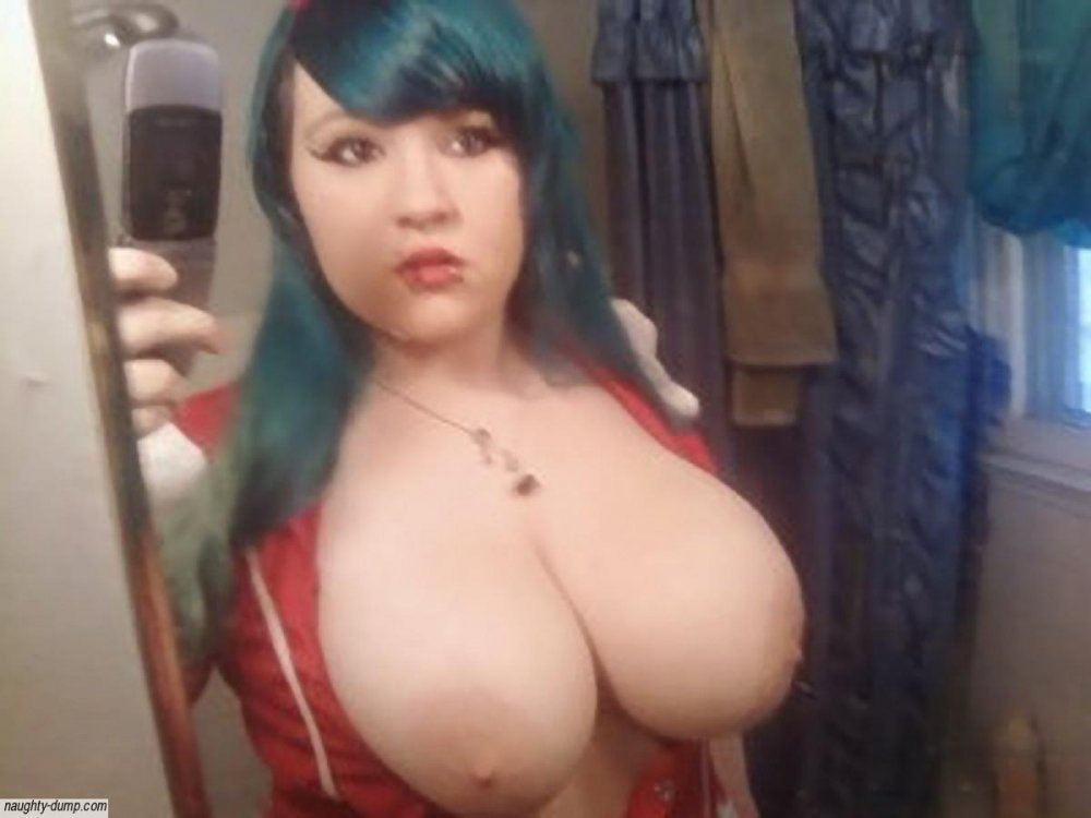 Slutty Naked Emo Girls With Huge Boobs