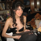 sexy-guitar-player-38
