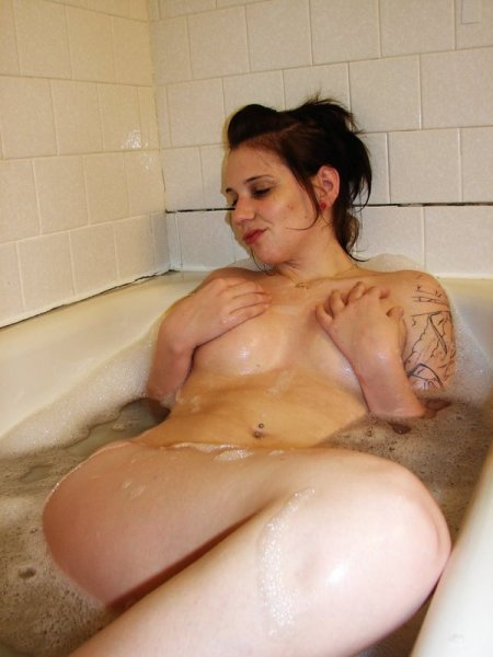 young amature naked girls in the bathroom