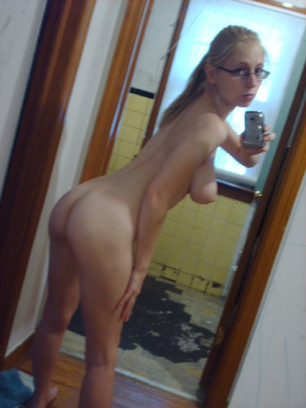 hottest blondes in the world nude