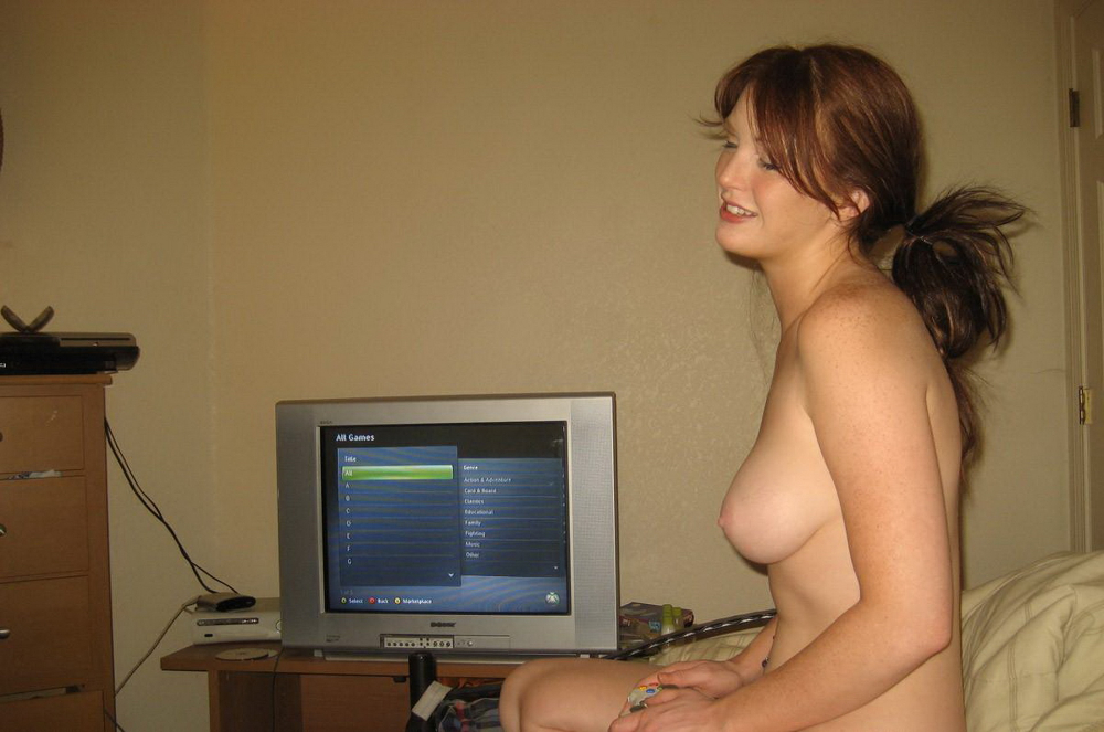 Nude watching Tv girl