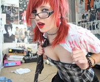 skinny-emo-girl-pink-hair16_big